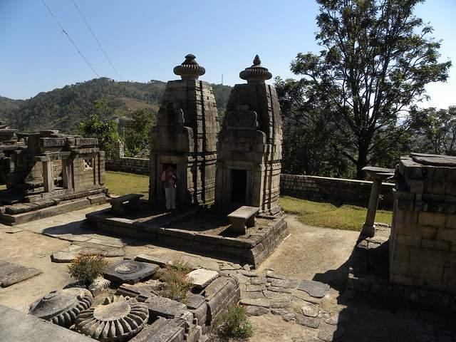 dwarahat temple