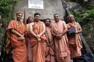 What is the Best time to visit Mahavatar Babaji Cave in the Himalaya