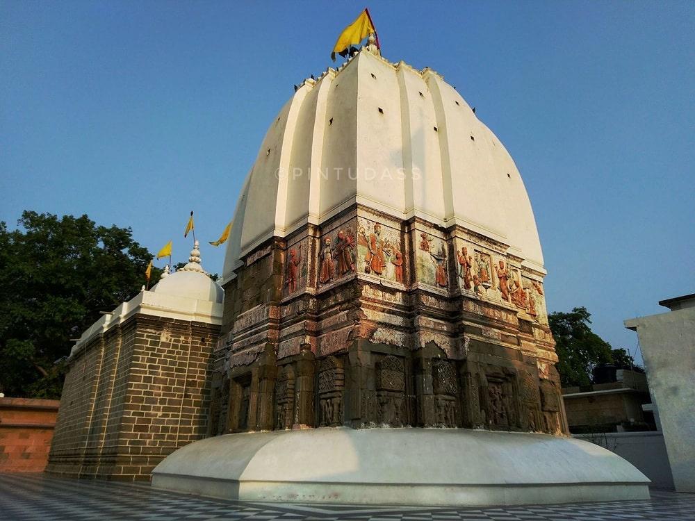 Sri Bharat Mandir Rishikesh- agadguru Adi Shankaracharya reinstalled the presiding deity in the temple on the day of Basant Panchmi in 789 A.D.