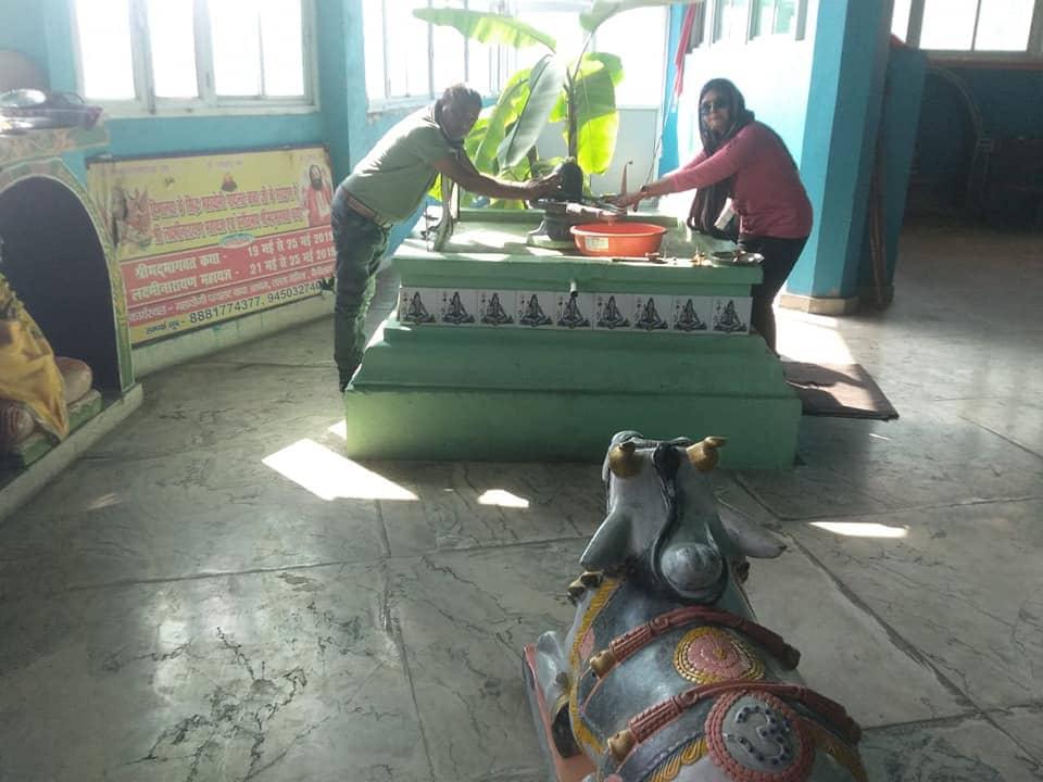 Devotees in the Ashram