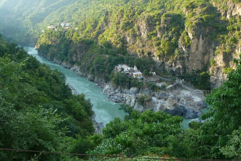 21 Best Destinations To Visit In Uttarakhand