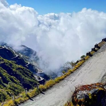 10 Epic Road Trips in the Mountians of Uttarakhand