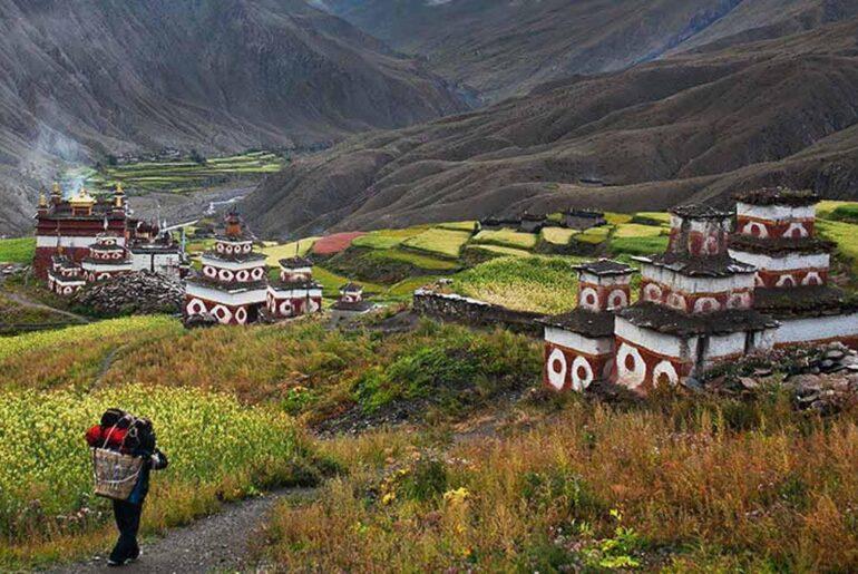 5 Best Hiking Hill Stations for Families in Uttarakhand