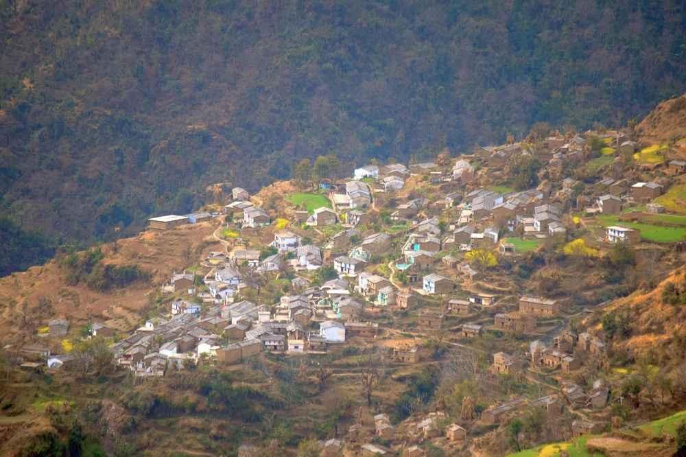 Village Bhararisain in Gairsain