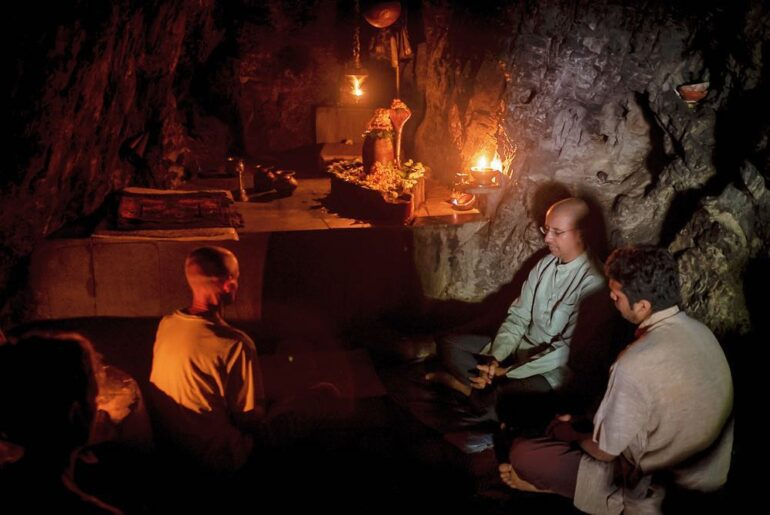 Vashishta Cave or Vashishta Gufa - Hidden Place To Visit in Rishikesh